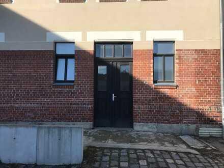 Lagerraum , Kleine Halle, Kleine Werkstatt