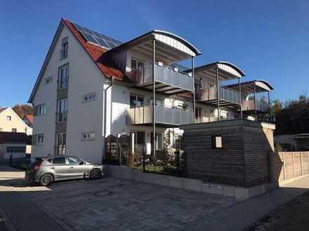 Stilvolle, luxuriöse und moderne 3.5-Zimmer-Maisonette-Wohnung mit Balkon und EBK in Altomünster