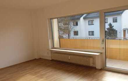Schöne drei Zimmer Wohnung im gepflegten Dreifamilienhaus zu vermieten! *direkt vom Eigentümer*