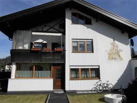 Kapitalanlage: DHH mit 3 Wohnungen und Garage in Garmisch-Partenkirchen