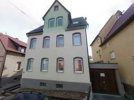 Schönes Haus mit neun Zimmern in Stuttgart, Hedelfingen, voll vermietet