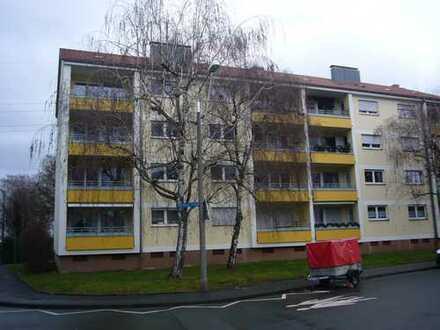 4 Zi.-Whg in 91058 Erlangen, Elise-Späth-Strasse 11 / Stellplatz + Balkon
