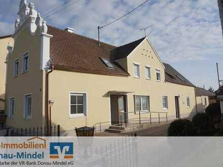 Neu renoviertes Wohnhaus mit Gewerbeeinheit