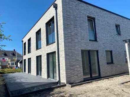 **Preissenkung** Home Sweet Home | Neubau Doppelhaushälfte in Wiedenbrück