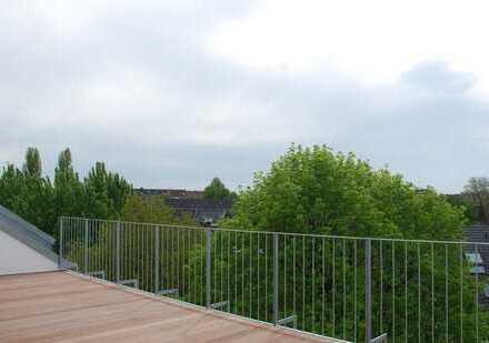 individuelle DG-Wohnung mit 45qm SW-Dachterasse
