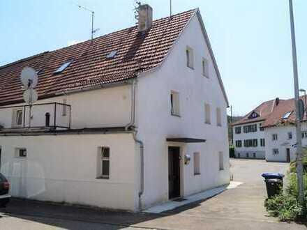 Zweifamilienhaus mit Potential!