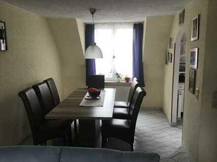 Familienfreudliche, gepflegte 5-Zimmer-Maisonette-Wohnung mit Balkon und Einbauküche in Pleidelsheim