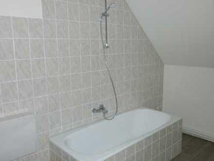 Ansprechende, vollständig renovierte 2-Zimmer-Dachgeschosswohnung zur Miete in Braunschweig