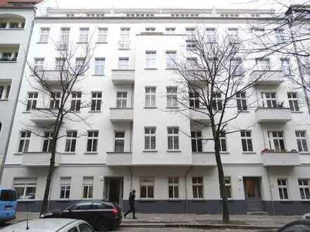 liebevoll modernisierte 1 Zimmer-Altbauwohnung mit Balkon im Prenzlauer Berg/ Winsviertel