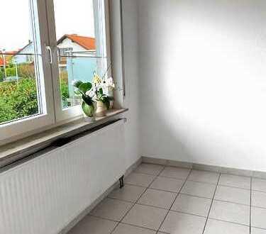 Schöne 4-Zimmer-Wohnung mit Balkon und EBK in Leingarten