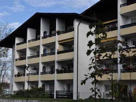Hochwertig ausgestattete, sonnige 3- Zimmerwohnung im 3. OG. mit West-Balkon