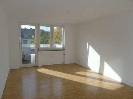 Schöne 3-Z-Wohnung - zentral und gut angebunden!!