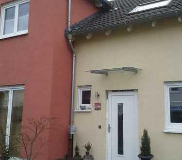 Schönes Haus mit sechs Zimmern und Garten in Köln Junkersdorf