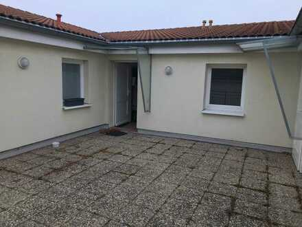 Ruppertsgrün, 2-Zimmer-Whg., Dachgeschoß, Lift, offene Küche