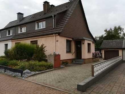 Einfamilienhaus in begehrter Lage mit großem Grundstück/Garage/ 3 Stellplätze