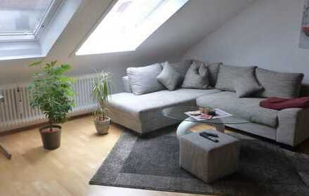 Vollständig renovierte 2-Zimmer-DG-Wohnung mit Einbauküche in Ostfildern