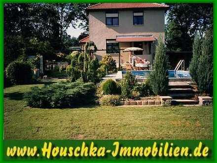 Haus + Pool, Kamin, Keller, Garage, Carport und Sauna in Bergfelde zu vermieten