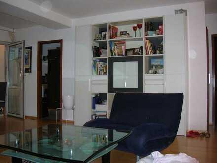 Gepflegte 3-Zimmer-Wohnung mit Balkon und EBK in Langen Hessen Offenbach (Kreis)