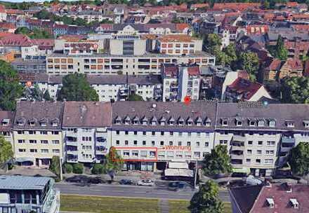 Sehr schöne renovierte 4 Zimmer Wohnung in Vorderer Westen, Kassel zu vermieten *Mit Balkon*