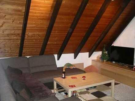 Gepflegte 3-Zimmer-DG-Wohnung mit Balkon in Solingen-Wald