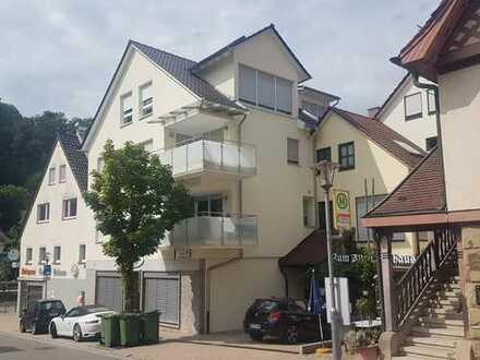 Traumhafte, lichtdurchflutete moderne 5,5-Zimmer-Maisonette-DG-Wohnung in Remseck am Neckar