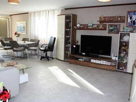 Gemütliche, helle 4-Zimmer Eigentumswohnung mit überdachtem Stellplatz in 42103 Wuppertal