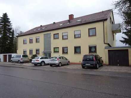 Gepflegte, provisionsfreie 2-Zimmer-Wohnung mit Balkon und Einbauküche in Friolzheim