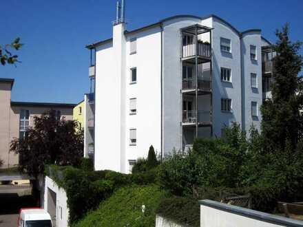 Gepflegte 3,5-Zimmer-Wohnung mit Einbauküche u. 2 Balkonen ohne Provision