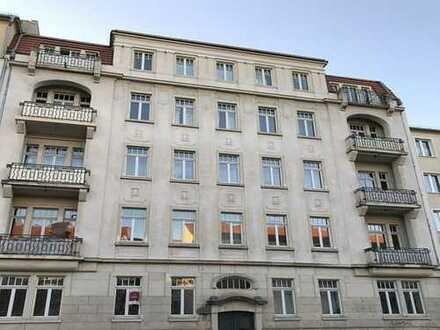 4-Zimmer-Wohnung mit 2 Balkonen in Gründerzeithaus in Striesen