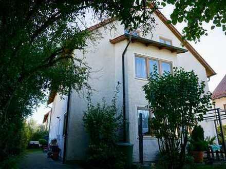 Schönes, geräumiges Haus mit fünf Zimmern in Regensburg (Kreis), Donaustauf