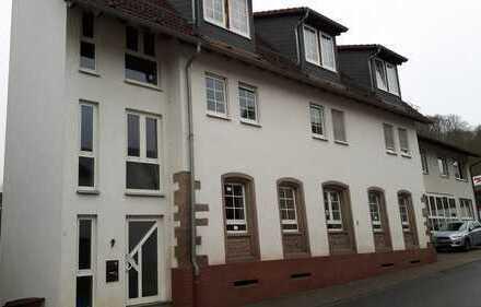 Helle 3-Zimmer-Dachgeschosswohnung mit Gäste-WC und Balkon in Winnweiler