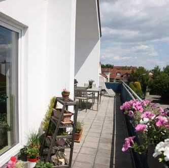 Ruhige, zentrale 5-Zimmer-DG-Wohnung mit Balkon und Einbauküche in Ingolstadt
