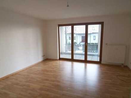 - TOP Whg. im 1. OG mit großem Balkon + Küche mit Fenster - EBK vorm Vormieter mgl*