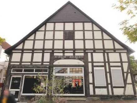 """Fachwerkhaus mit ca. 220m² Gewerbefläche """"Am Thie"""" im Herzen von Barsinghausen."""