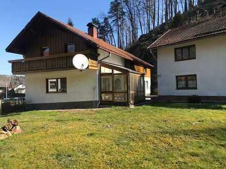 Perfektes kleines Anwesen für Tierhaltung mit 2 Wohnhäusern und großer Wiese bei Vilshofen