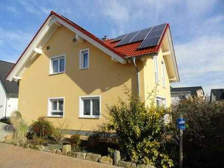Schönes, freistehendes Einfamilienhaus in hochwertiger Bauausführung