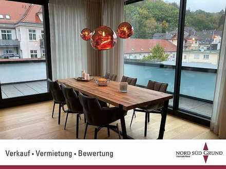 Penthouse-Wohnung. Modern. Luxuriös. 174 m². Einbauküche. Großer Balkon. Nahe Festspielhaus.