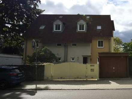 Sehr schöne gepflegte 4-Zimmer-Doppelhaushälfte in Burgberg, Erlangen auf Erbpacht