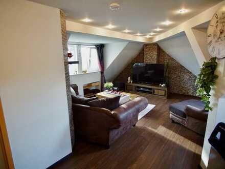-Klimaanlage- Gemütliche Dachgeschoss-Wohnung in zentraler, ruhiger Lage mit Blick übers Ruhrgebiet
