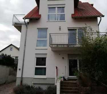 Ansprechende 2-Zimmer-Wohnung mit Balkon und EBK in Mutterstadt