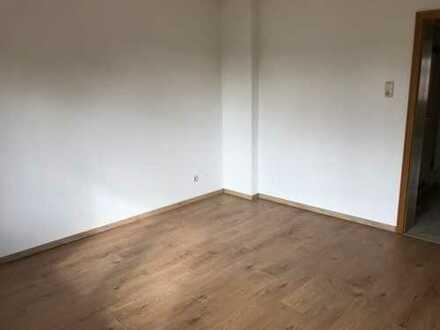 Schöne 2-Zimmer-Wohnung inklusive neuer Einbauküche
