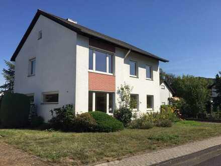 Schönes, geräumiges Haus mit fünf Zimmern in Remagen Kreis Ahrweiler