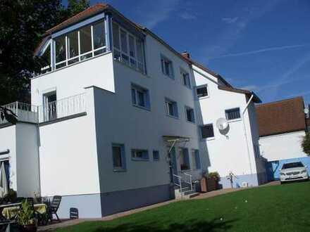 Eine Wohnung wie ein Haus: 3,5-Zimmerwohnung, 100m², Große Südterrasse, Garten, von privat