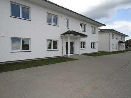 Erstbezug 3-Zimmer-Komfort Wohnung mit großer Terrasse und eigenen Garten, barrierefrei