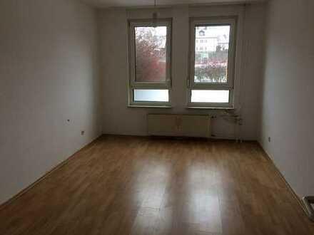 3 Zimmer Erdgeschosswohnung mit Terrasse - ab sofort