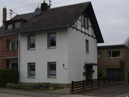 Modernisierte 3-Zimmer-Erdgeschosswohnung mit Terrasse in Weilerswist