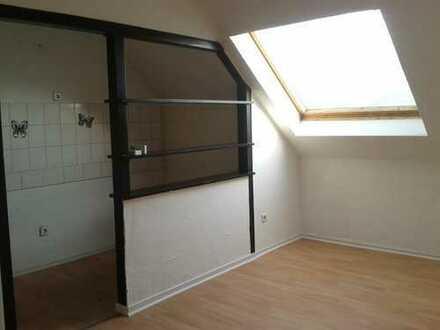 Helle gemütliche DG-Wohnung 45 m² in Duisburg-Marxloh
