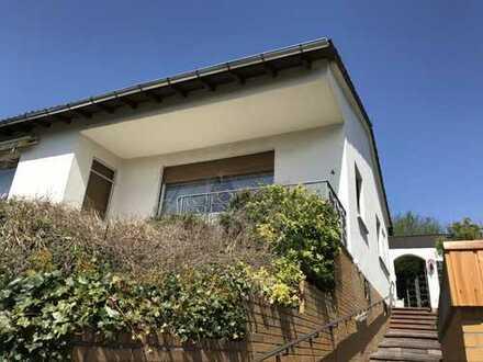WAGNER Immobilien Leben auf der Sonnenseite Haus mit 120 qm Wfl, 590 qm Grundstück, Garage + Pool