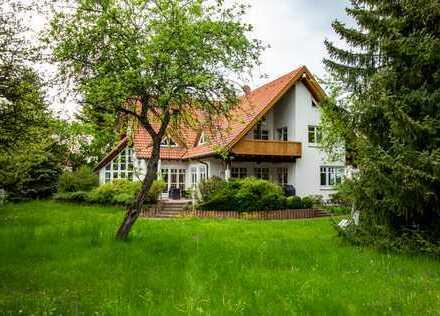 Repräsentative, exklusive Villa mit separater Einliegerwohnung in ruhiger und sehr zentraler Lage