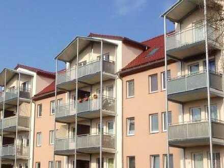 Vollständig renovierte 2-Zimmer-Wohnung (oder DG-Wohnung) mit Balkon in Finsterwalde